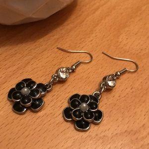 Jewelry - Black Flower Earrings